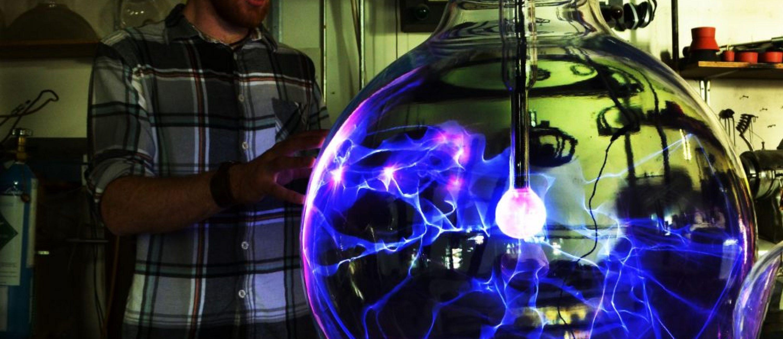 Large-scale Plasma Globes